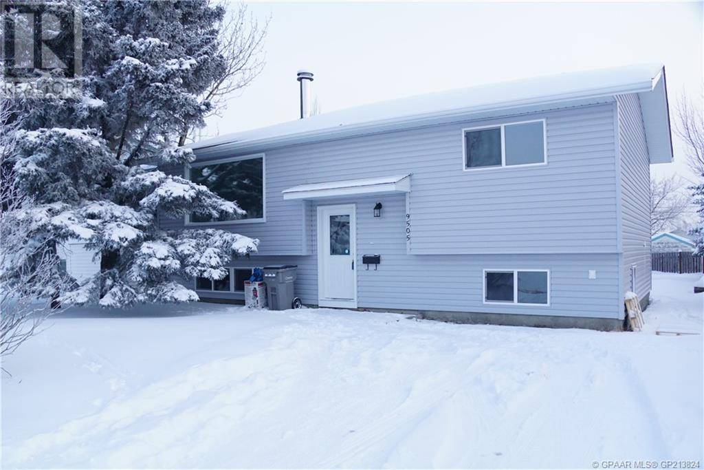 House for sale at 9505 103 Ave Grande Prairie Alberta - MLS: GP213824