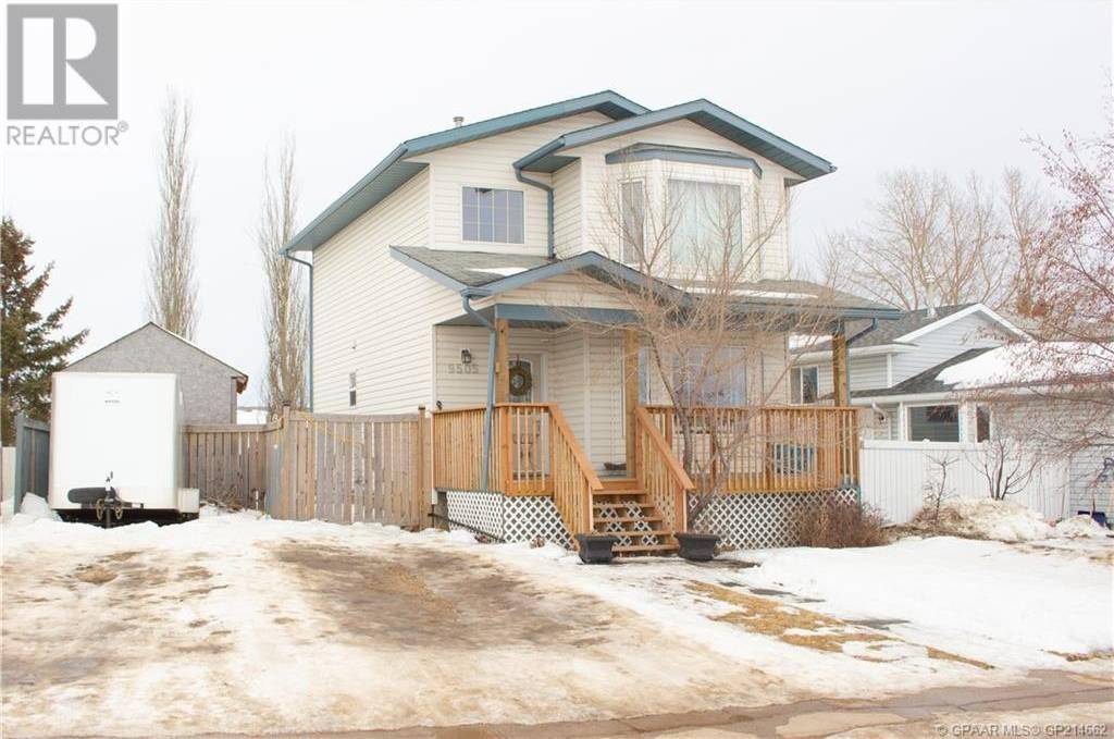 House for sale at 9505 93 St Grande Prairie Alberta - MLS: GP214662