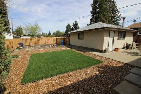 9507 69a Street Nw, Edmonton   Image 2