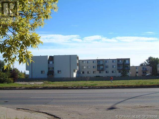 Residential property for sale at 9511 100 St Grande Prairie Alberta - MLS: GP208994