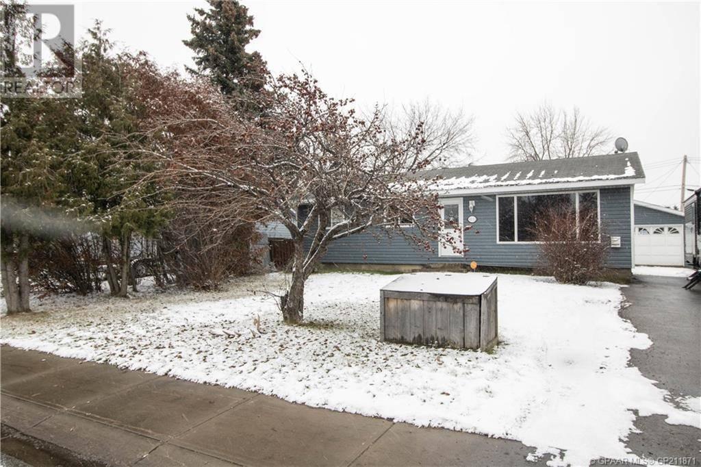 House for sale at 9513 99 Ave Grande Prairie Alberta - MLS: GP211871