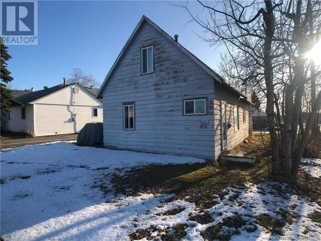 House for sale at 9515 106 Ave Grande Prairie Alberta - MLS: GP212089