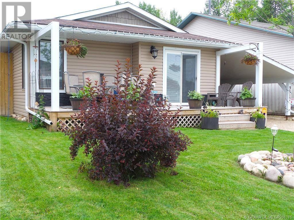 House for sale at 9517 69 Ave Grande Prairie Alberta - MLS: GP208376