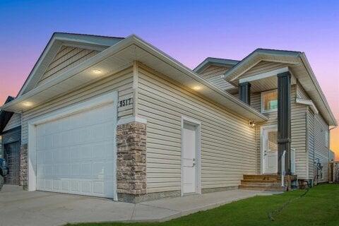 House for sale at 9517 88 St Grande Prairie Alberta - MLS: A1042045