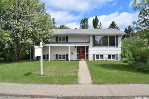 House for sale at 952 1st St E Prince Albert Saskatchewan - MLS: SK804126