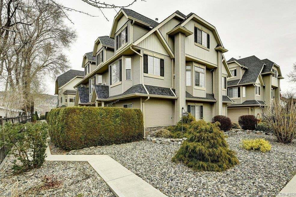 Townhouse for sale at 952 Lawson Ave Kelowna British Columbia - MLS: 10201131