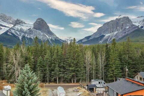 Residential property for sale at 953 13th St Canmore Alberta - MLS: A1047282