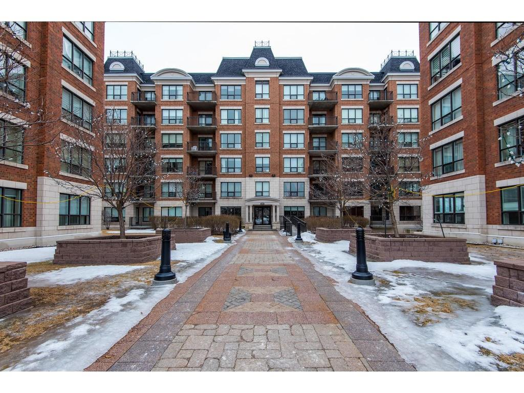 For Sale: 955 Beauparc Private, Ottawa, ON   1 Bed, 1 Bath Condo for $234,000. See 21 photos!