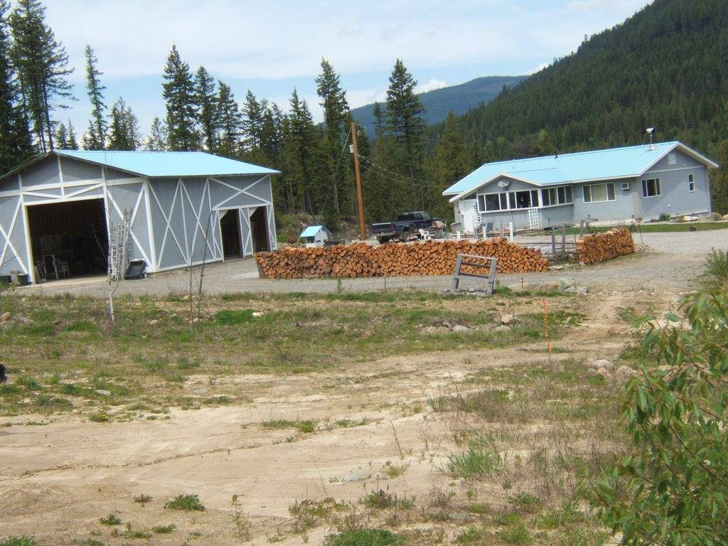 House for sale at 955 Lakeview-arrowcreek Rd Creston British Columbia - MLS: 2430298