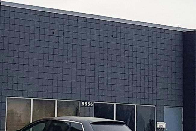 Commercial property for lease at 9556 Yellowhead Tr NW Edmonton Alberta - MLS: E4070173