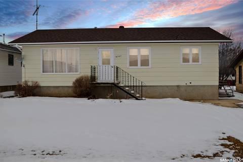 House for sale at 9562 Roger Aldag Ave Gull Lake Saskatchewan - MLS: SK799546