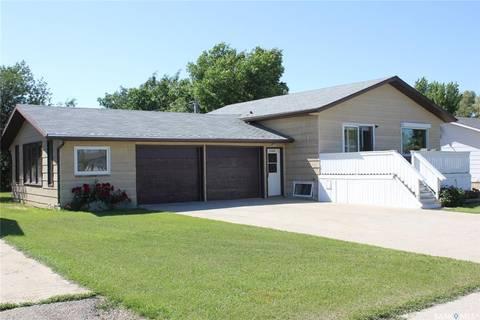 House for sale at 9564 Roger Aldag Ave Gull Lake Saskatchewan - MLS: SK784674
