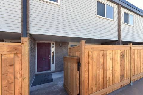 Condo for sale at 255 Milestone Cres Aurora Ontario - MLS: N4446790