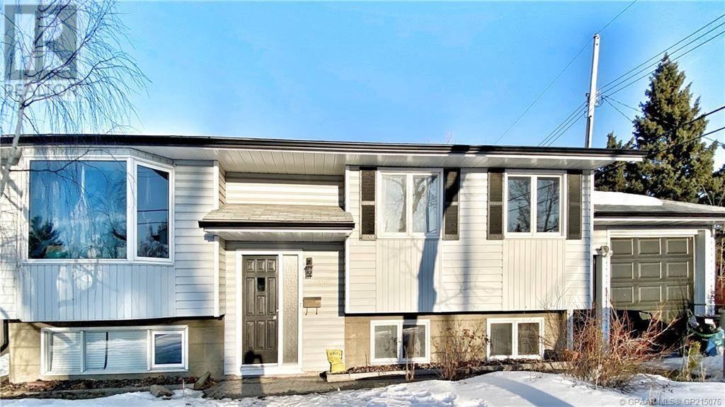 House for sale at 8509 96 A St Unit 96 Grande Prairie Alberta - MLS: GP215076