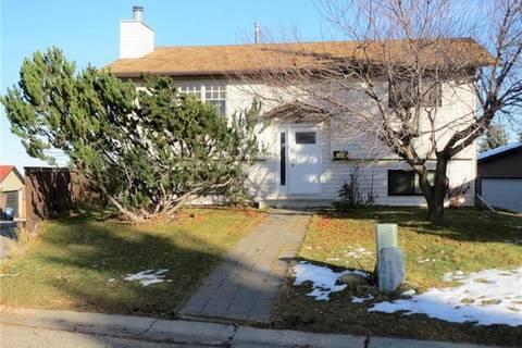 House for sale at 96 Bermondsey Cres Northwest Calgary Alberta - MLS: C4226626