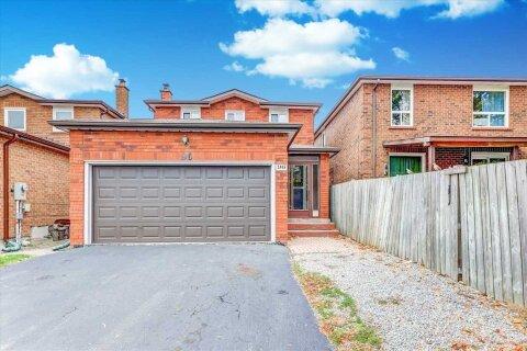House for sale at 96 Burnt Bark Dr Toronto Ontario - MLS: E4965324