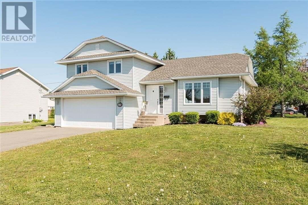 House for sale at 96 Castle  Moncton New Brunswick - MLS: M128767