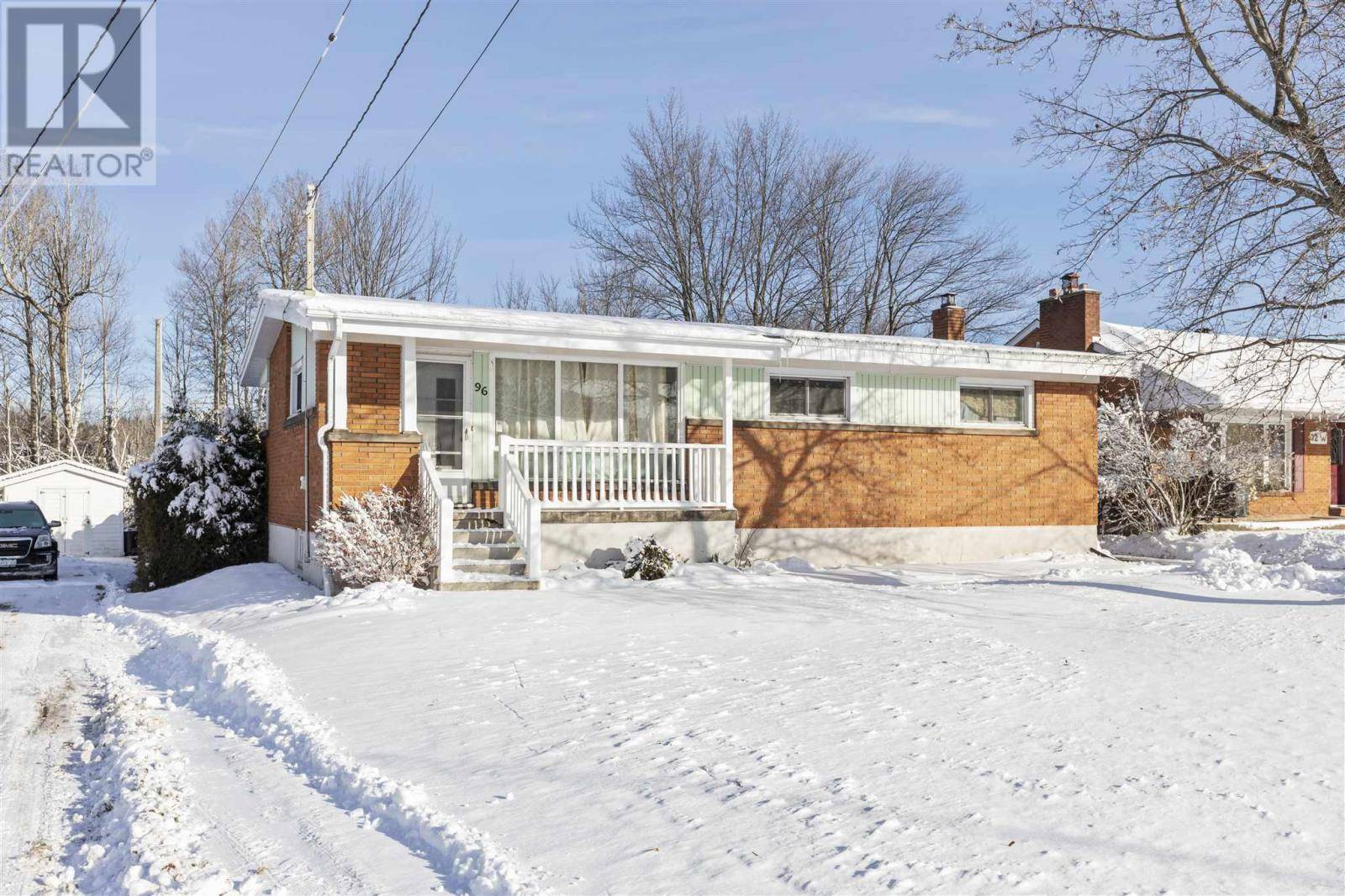 House for sale at 96 White Oak Dr W Sault Ste. Marie Ontario - MLS: SM127515