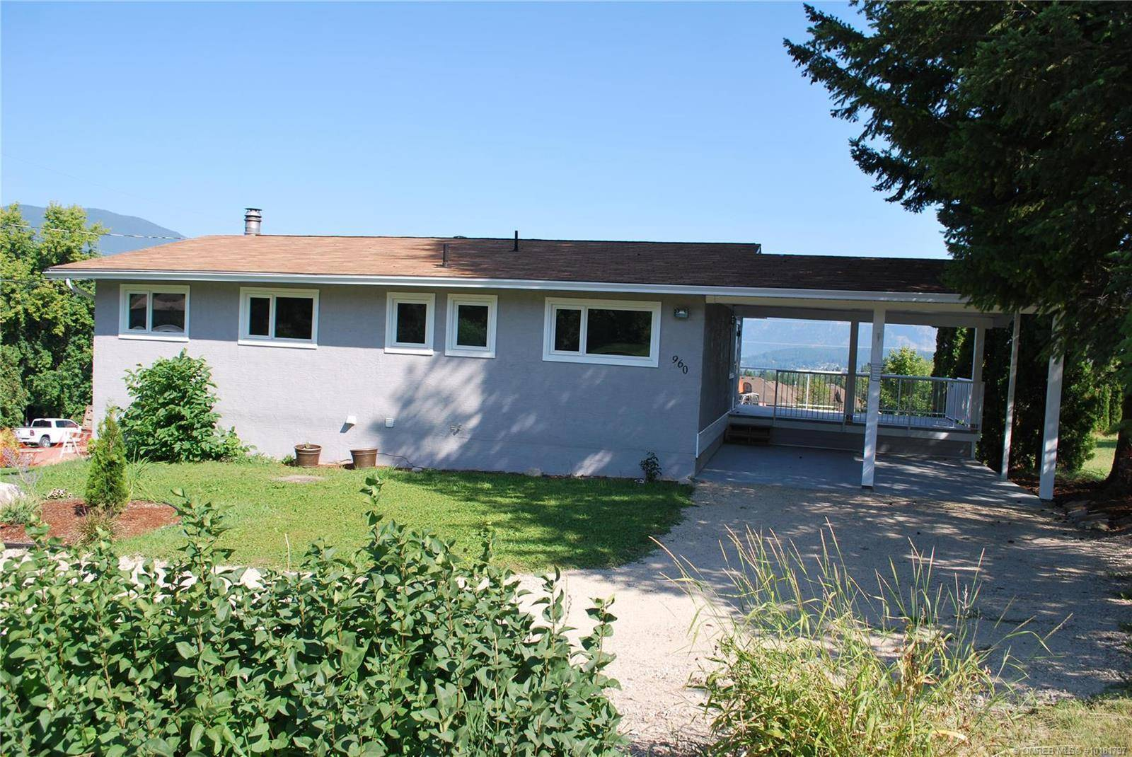 House for sale at 960 12 St Southeast Salmon Arm British Columbia - MLS: 10181797