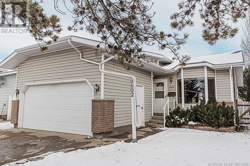 House for sale at 9602 65 Ave Grande Prairie Alberta - MLS: GP213268