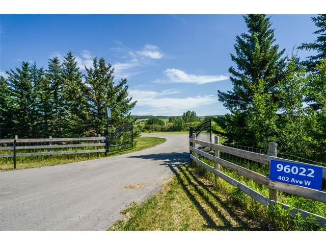 For Sale: 96022 402 Avenue West, Rural Foothills Md, AB   3 Bed, 4 Bath House for $1,500,000. See 40 photos!
