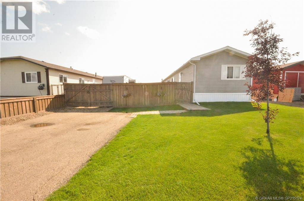 House for sale at 9603 112 Avenue Court Clairmont Alberta - MLS: GP215174