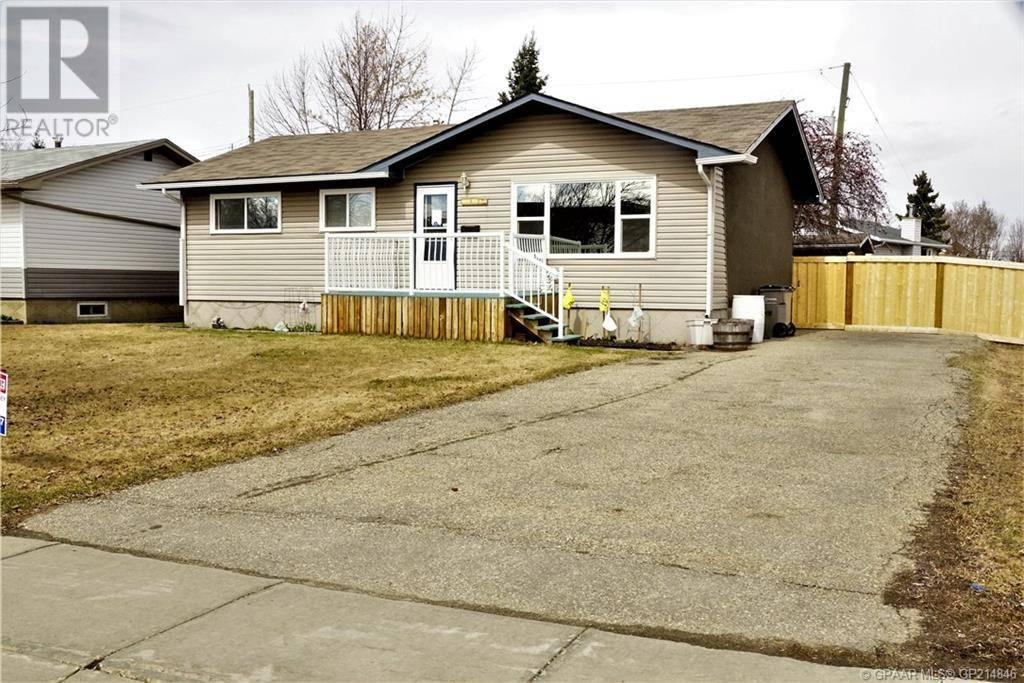 House for sale at 9612 91a Ave Grande Prairie Alberta - MLS: GP214846