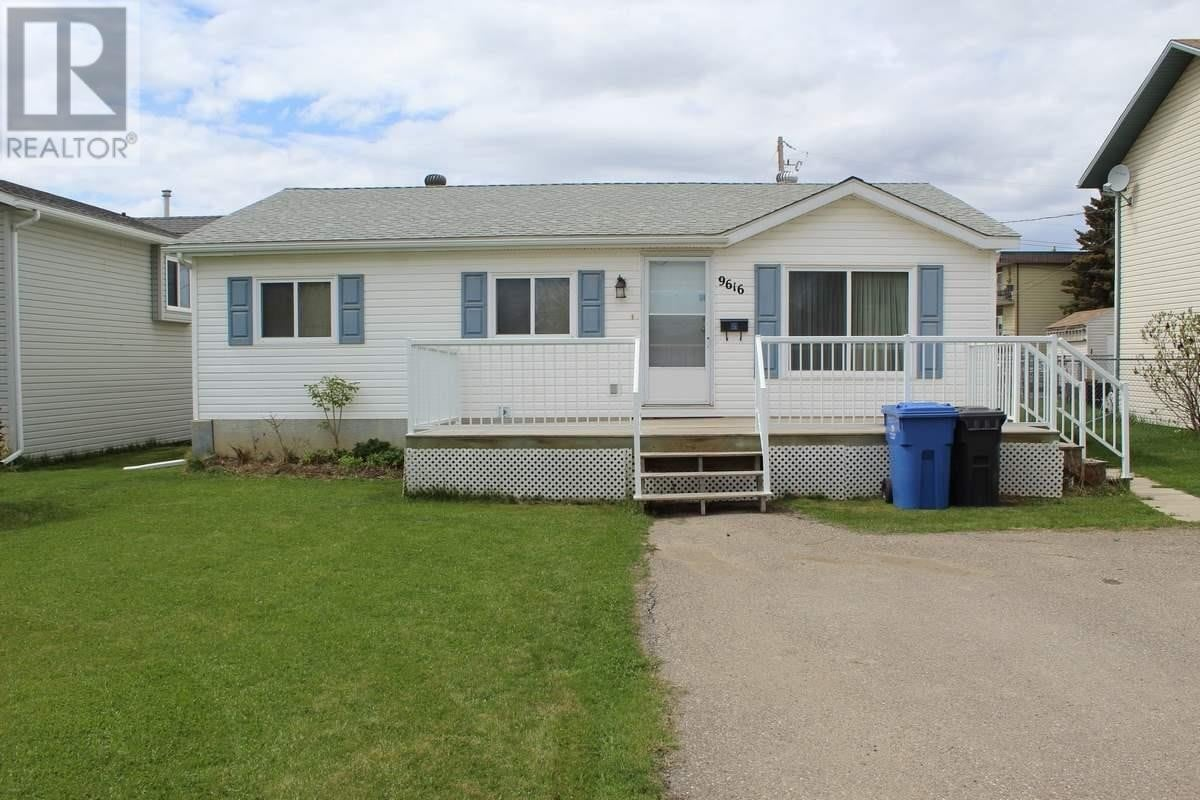 Residential property for sale at 9616 98 St Fort St. John British Columbia - MLS: R2457683
