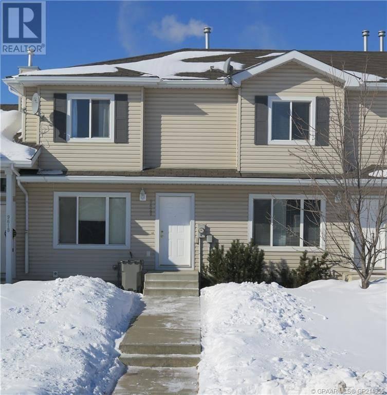 Townhouse for sale at 9620 90a St Grande Prairie Alberta - MLS: GP214955