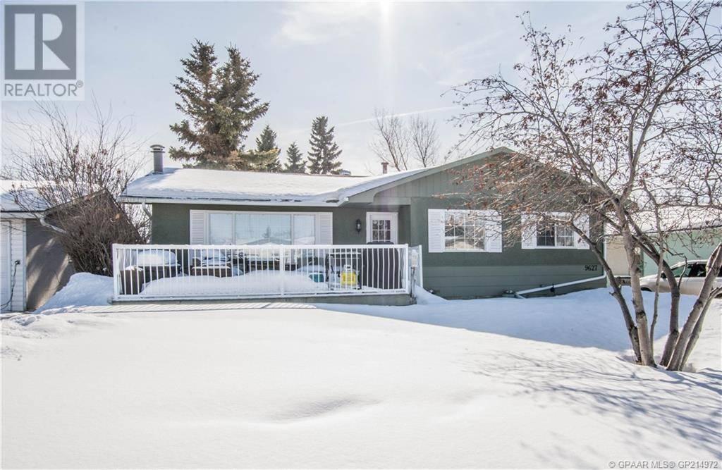 House for sale at 9627 112 Ave Grande Prairie Alberta - MLS: GP214972