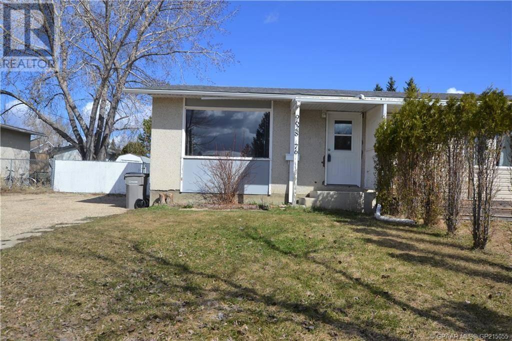 House for sale at 9628 76 Ave Grande Prairie Alberta - MLS: GP215055