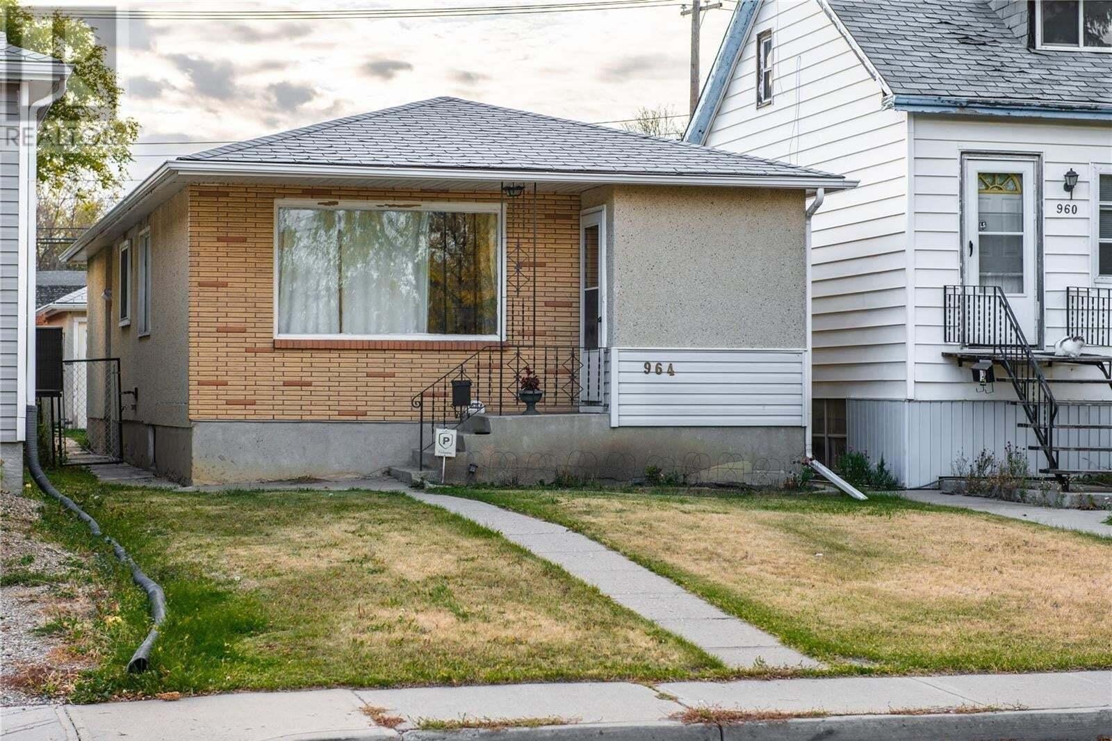 House for sale at 964 Princess St Regina Saskatchewan - MLS: SK830178
