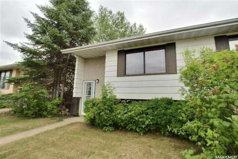 Townhouse for sale at 965 7th St E Prince Albert Saskatchewan - MLS: SK801578