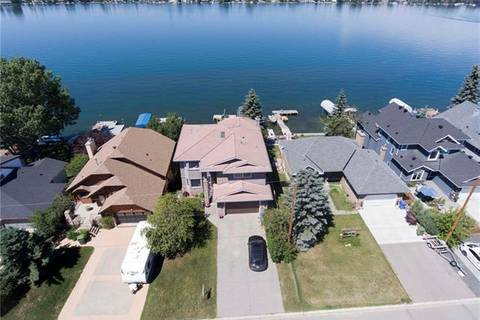 House for sale at 965 East Chestermere Dr Chestermere Alberta - MLS: C4237286