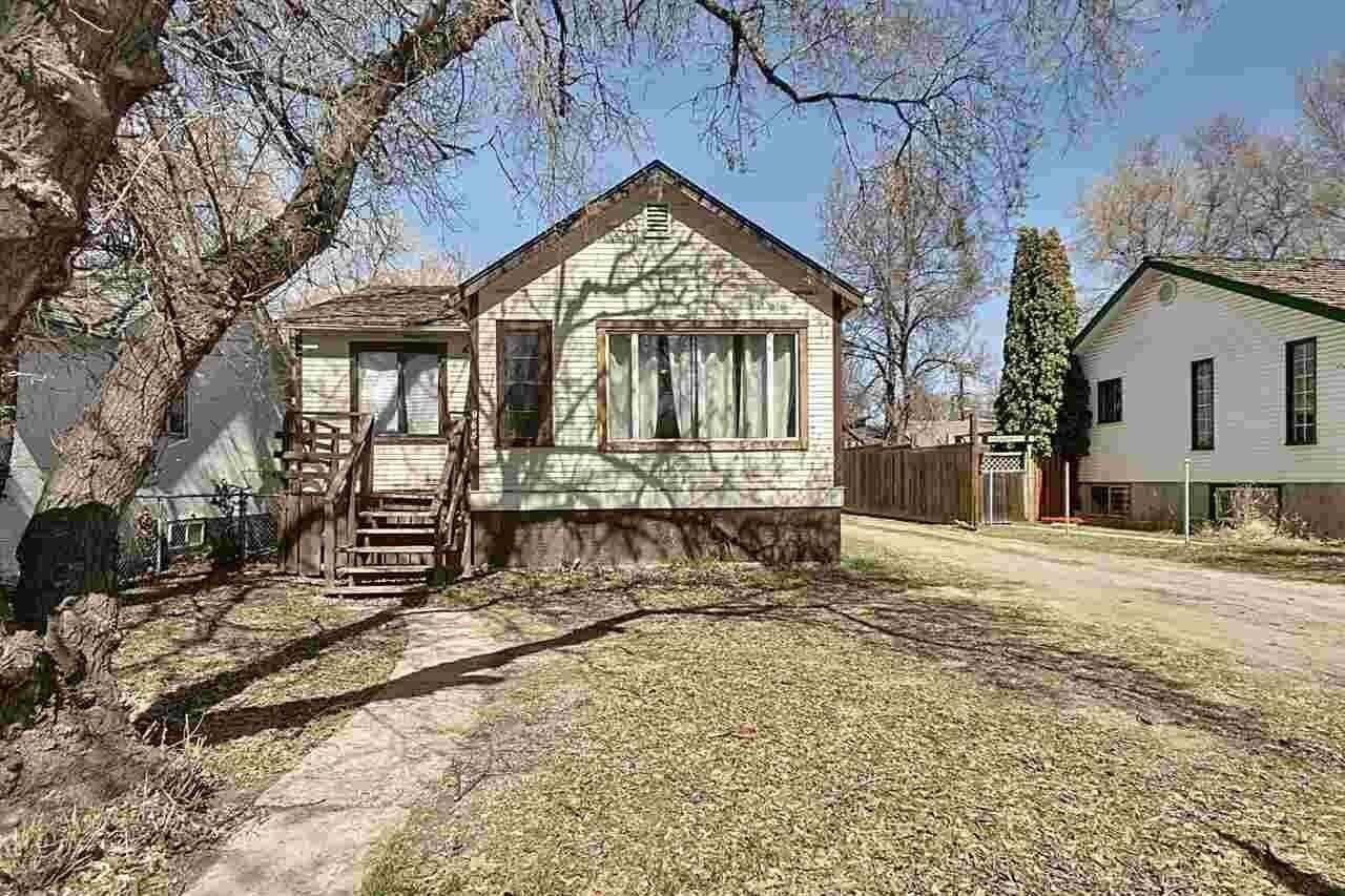 House for sale at 9654 76 Av NW Edmonton Alberta - MLS: E4195913