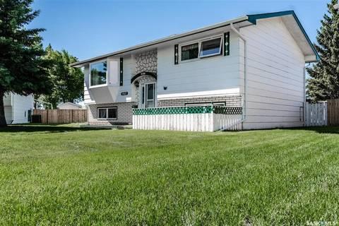 House for sale at 967 Hawthorne Cres Moose Jaw Saskatchewan - MLS: SK759334