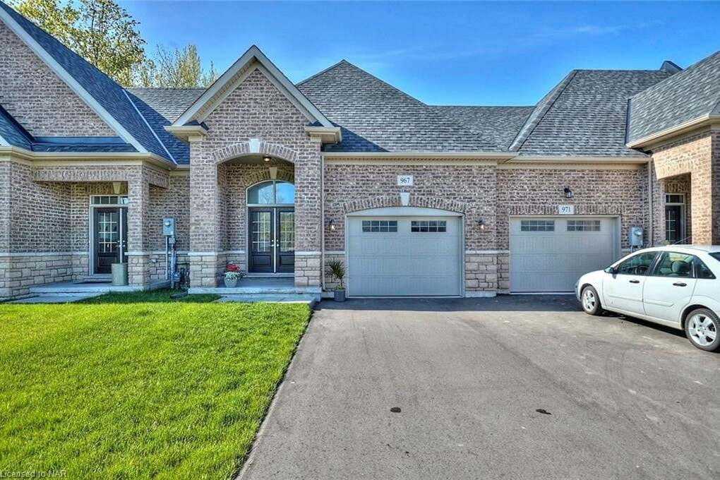 Townhouse for sale at 967 Kerby St Fort Erie Ontario - MLS: 30807807