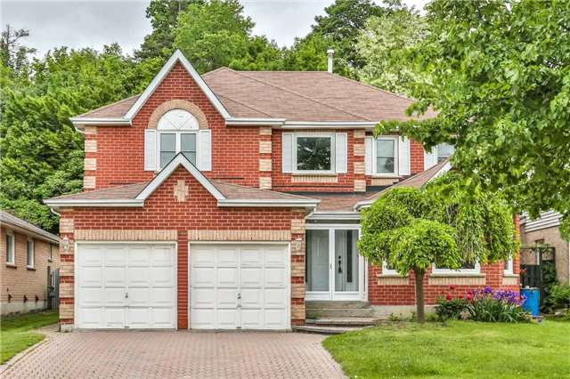 For Sale: 968 Ridge Valley Drive, Oshawa, ON | 4 Bed, 3 Bath House for $749,000. See 20 photos!