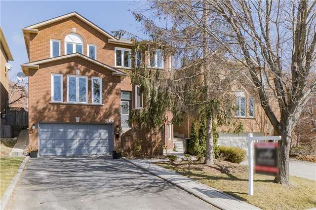 For Sale: 969 Cristina Court, Mississauga, ON | 4 Bed, 5 Bath House for $1,100,000. See 20 photos!
