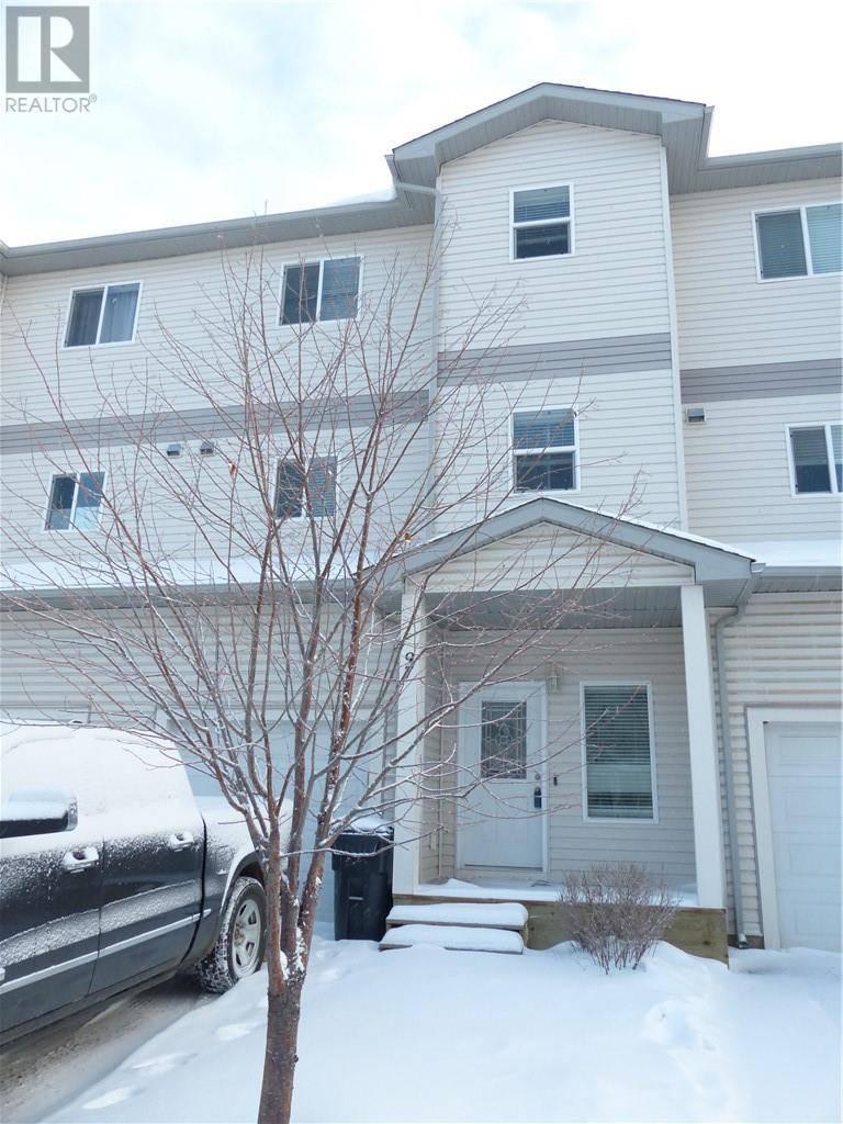 Townhouse for sale at 313 Millennium Dr Unit 97 Fort Mcmurray Alberta - MLS: fm0185522