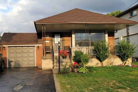 House for rent at 97 Cuffley Cres Toronto Ontario - MLS: W4966995