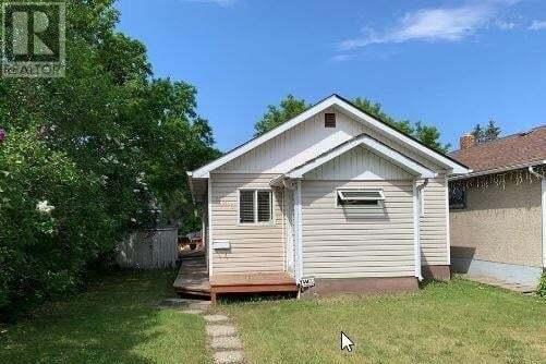 House for sale at 970 Elphinstone St Regina Saskatchewan - MLS: SK821321