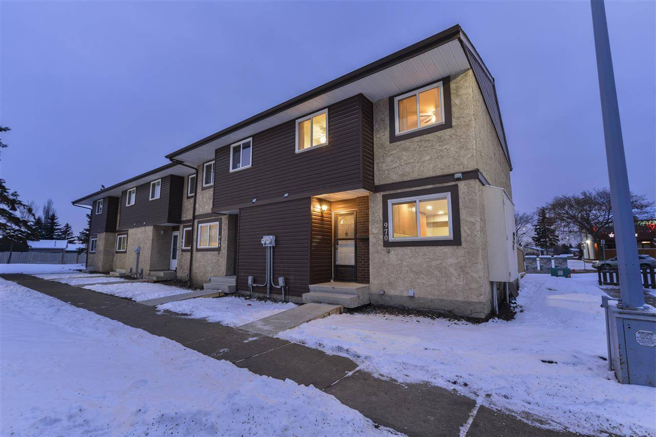 Townhouse for sale at 970 Lakewood Rd Nw Edmonton Alberta - MLS: E4182090