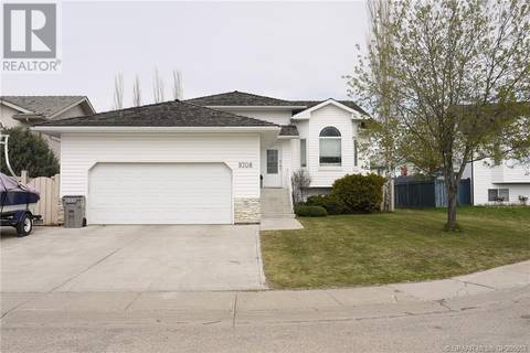 House for sale at 9708 62 Ave Grande Prairie Alberta - MLS: GP205563
