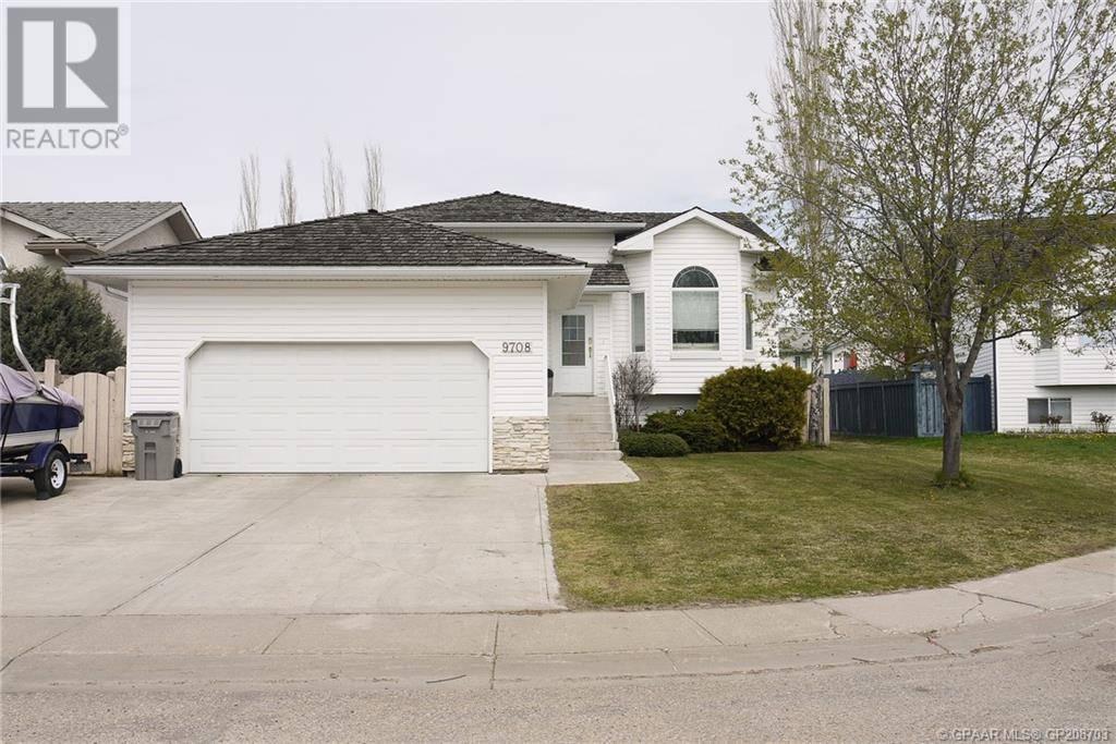 House for sale at 9708 62 Ave Grande Prairie Alberta - MLS: GP208703