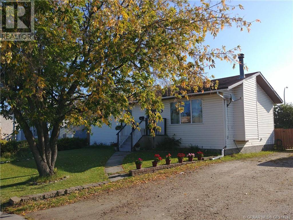 House for sale at 9709 92a St Grande Prairie Alberta - MLS: GP214242