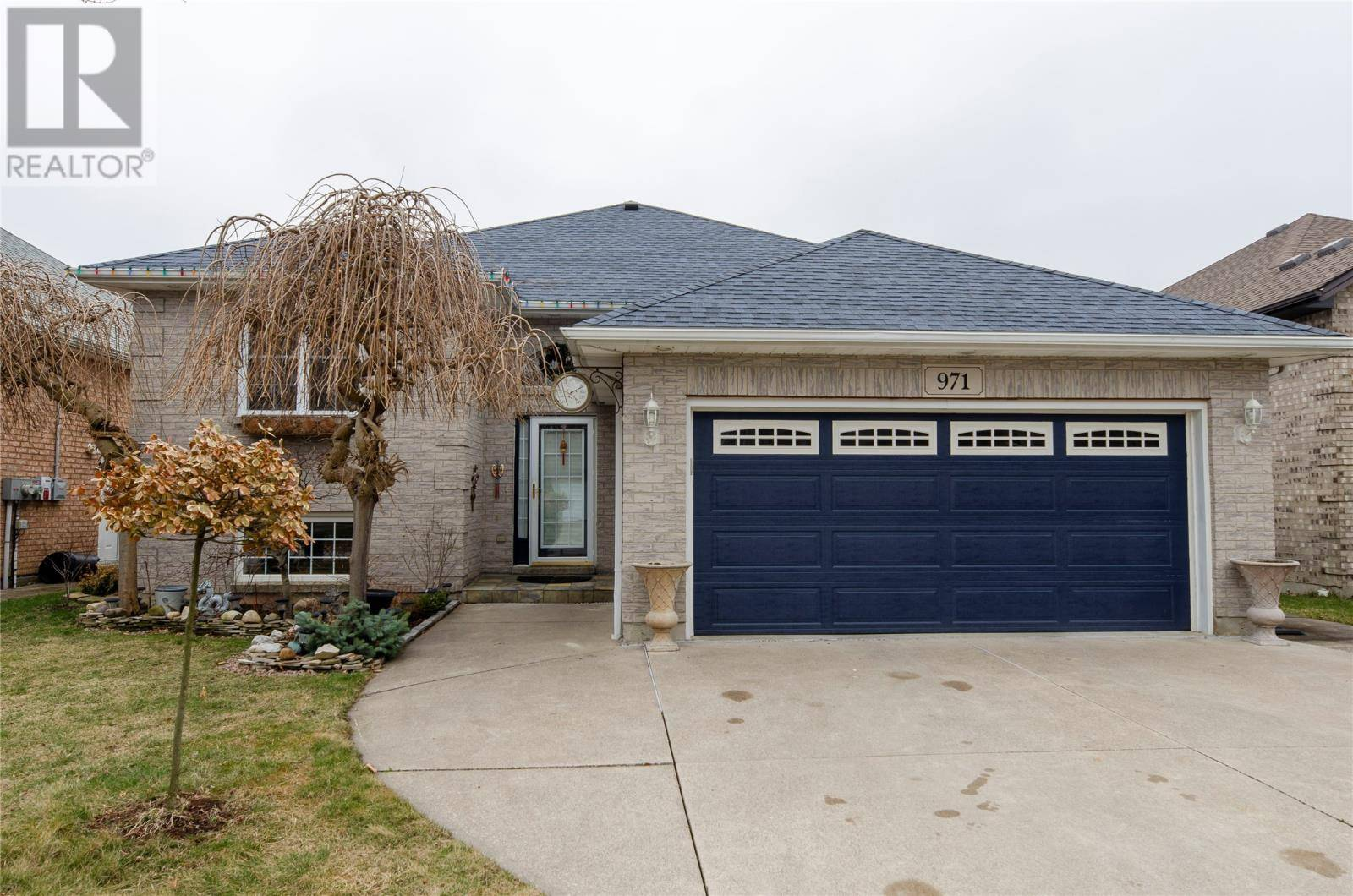 House for sale at 971 Rendezvous  Windsor Ontario - MLS: 20003430