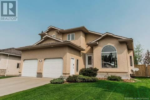 House for sale at 9712 61 Ave Grande Prairie Alberta - MLS: GP205653