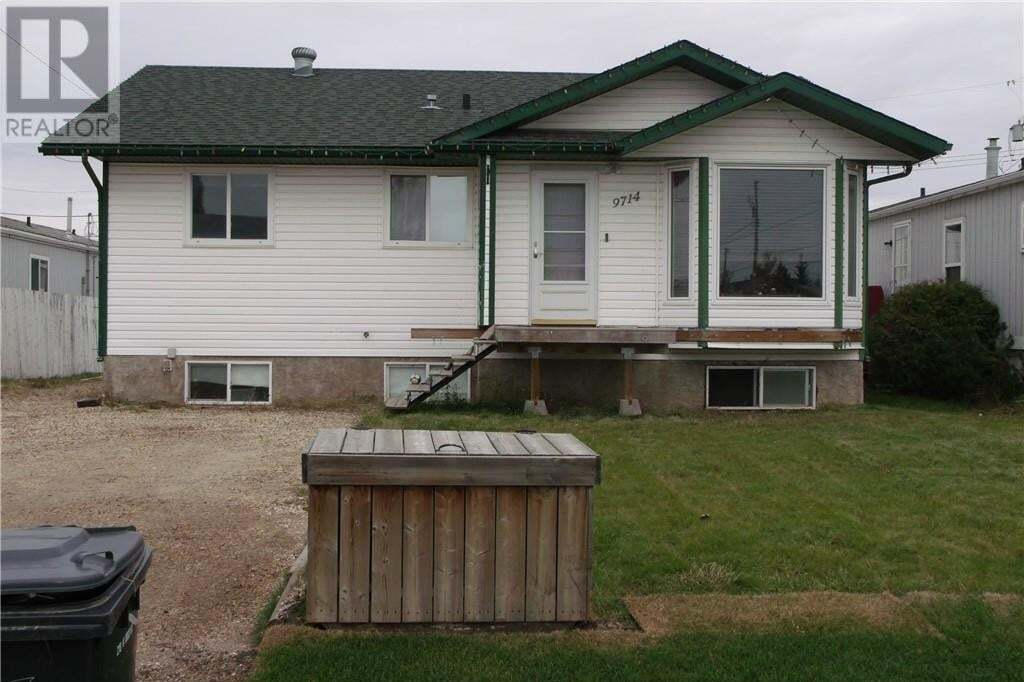 House for sale at 9714 107 Ave Clairmont Alberta - MLS: GP210388