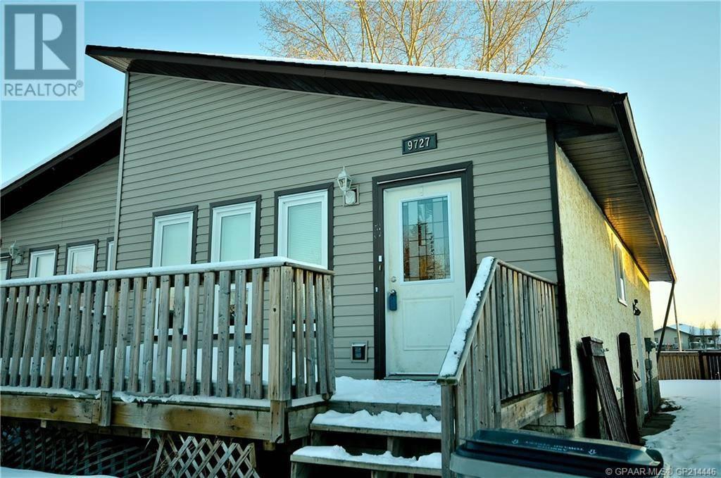 House for sale at 9727 69 Ave Grande Prairie Alberta - MLS: GP214446